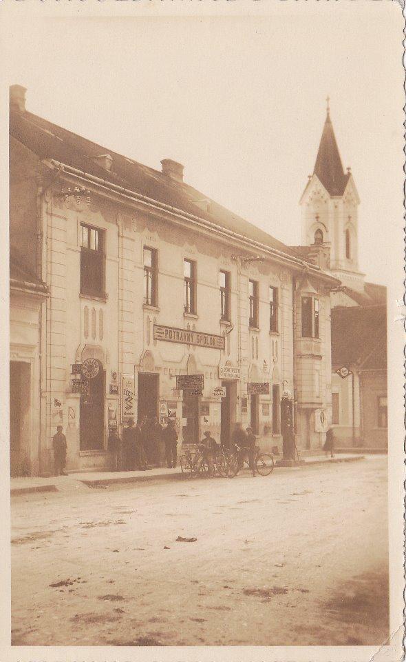 Klasicistická budova so secesnými prvkami