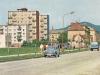 Pohľadnica z Ulice 1. mája (Červenej armády) v 60. rokoch - Autá na fotografii: osobné - Škoda 1000 MB, nákladné - Praga V3S