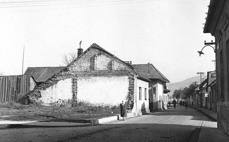 roh ulíc Moravská a Mudroňova