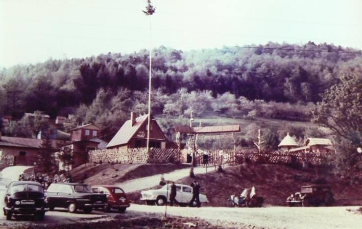 Salaš Máj medzi Púchovom a Nimnicou asi v druhej polovici 60. rokov minulého storočia.