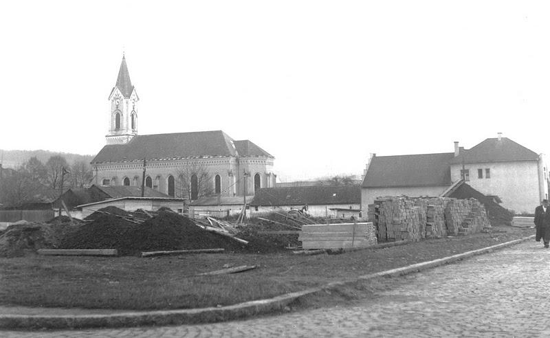 roh ulíc F. Urbánka a V. Roya, február 1954