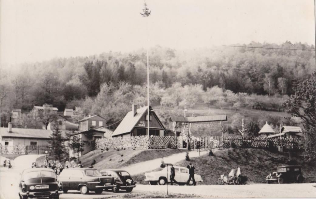 Kedysi populárny Salaš Máj medzi Nimnicou a Púchovom na prelome 50. a 60. rokov minulého storočia