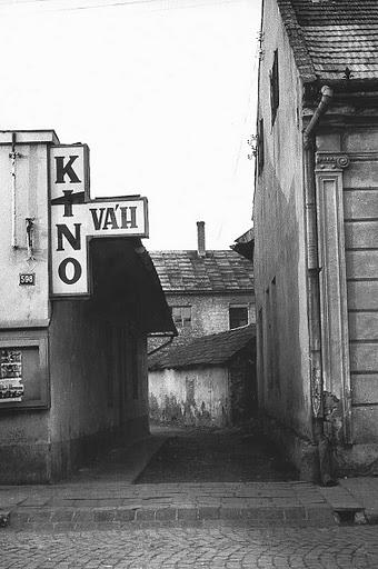 Kino Váh - Námestie slobody
