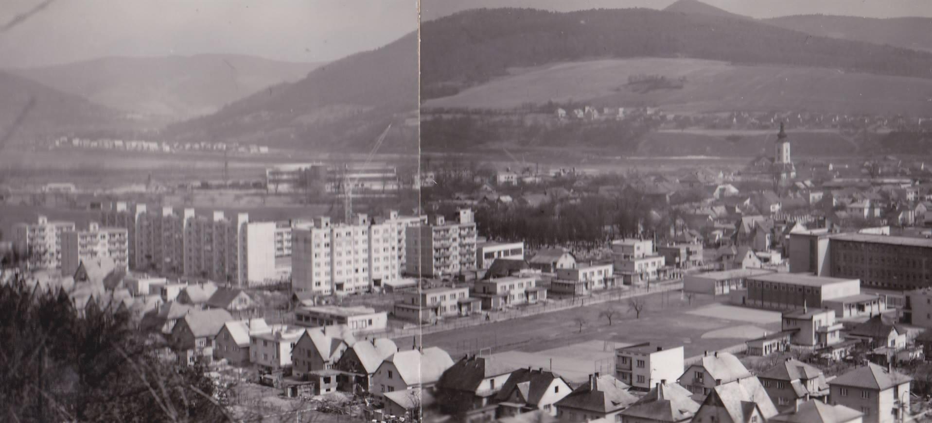 Areál ZŠ Komenského, Ulica Pod Lachovcom a Za cintorínom v roku 1974