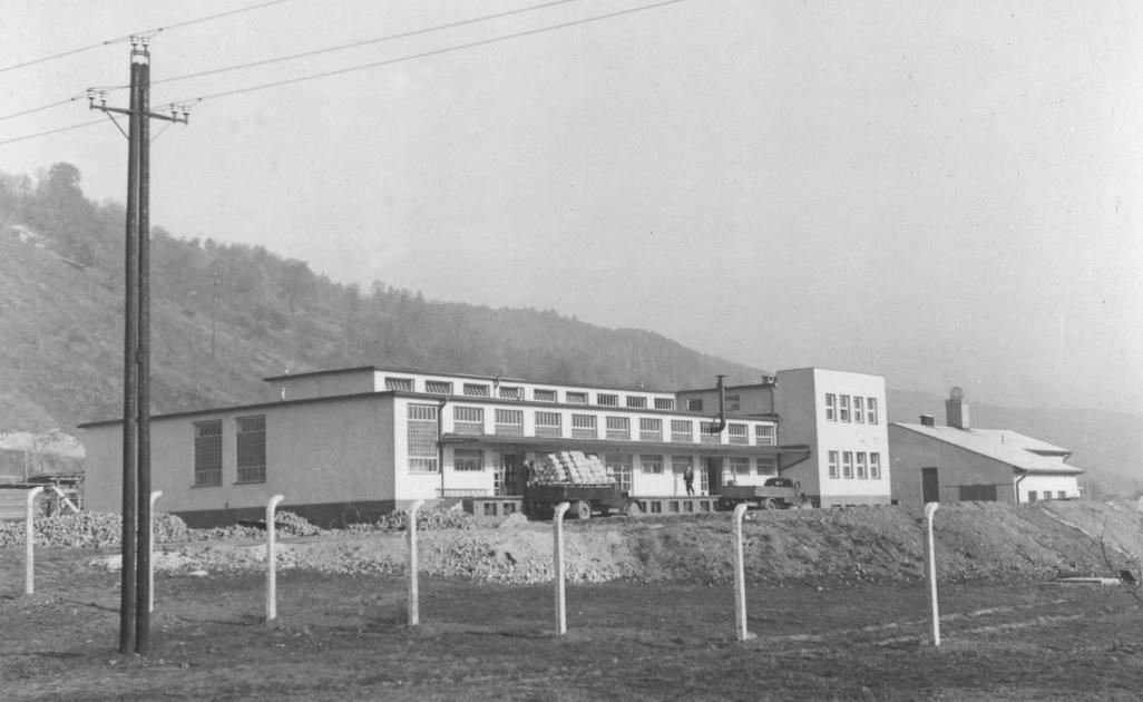 Púchovské mliekarne v 50. rokoch 20. storočia, krátko po otvorení