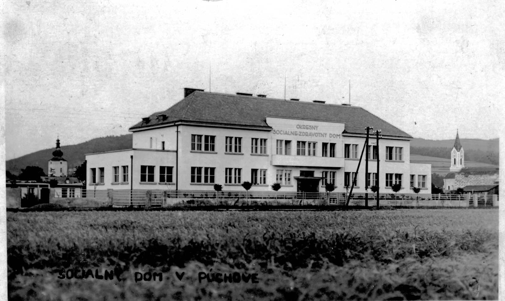 Sociálne-zdravotný dom (dnešný detský domov) v polovici 20. storočia - postavený v r. 1932
