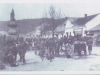 Unikátna fotografia z Námestia slobody v Púchove a na ňom brigáda československej armády pri vytláčaní Nemcov zo Slovenska 1. mája 1945
