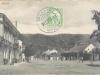 Pohľadnica Púchova poslaná 29. decembra 1913 zachytáva dnešné Námestie slobody (pohľad smerom od kostola) - vľavo napr. krčma u Nathana, ďalej Marczibányiovský kaštieľ a pred ním socha sv. Jána Nepomuckého