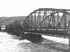 starý most a rozvodnený Váh v 1944