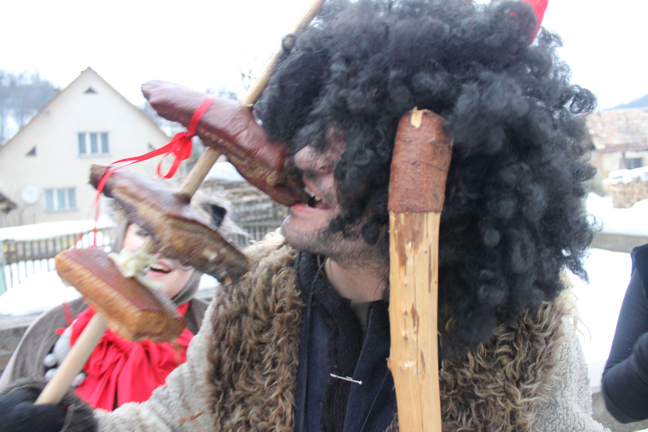 Fašiangový sprievod v Lazoch pod Makytou 2013
