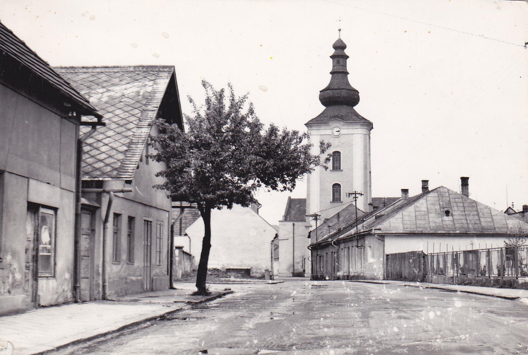 dnešná Moyzesova ulica v roku 1965