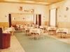 Interiér reštaurácie Hotela Javorník v 80. rokoch minulého storočia