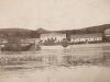 Fotografia hornokočkovského brehu Váhu s hotelom Kanada v 30. rokoch od rod. Srogončíkovej