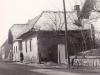 Pravá strana Mudroňovej ulice (za Bilou) v Púchove smerom od Nimnice v cca. 60. rokoch