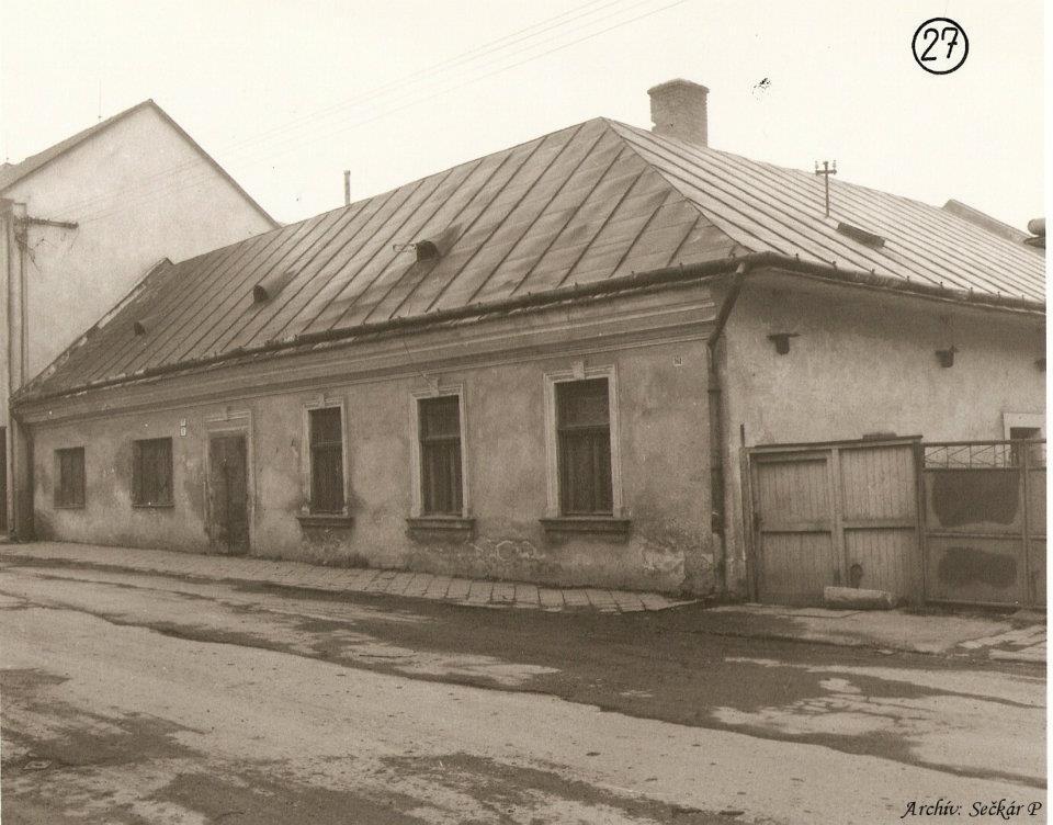 Moravská ul. pred evan. kostolom