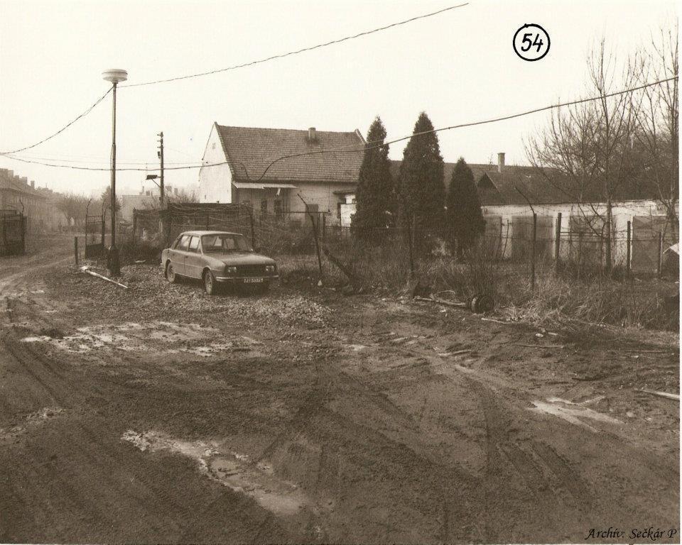 Súdna ulička medzi Námestím slobody a Moravskou ul.