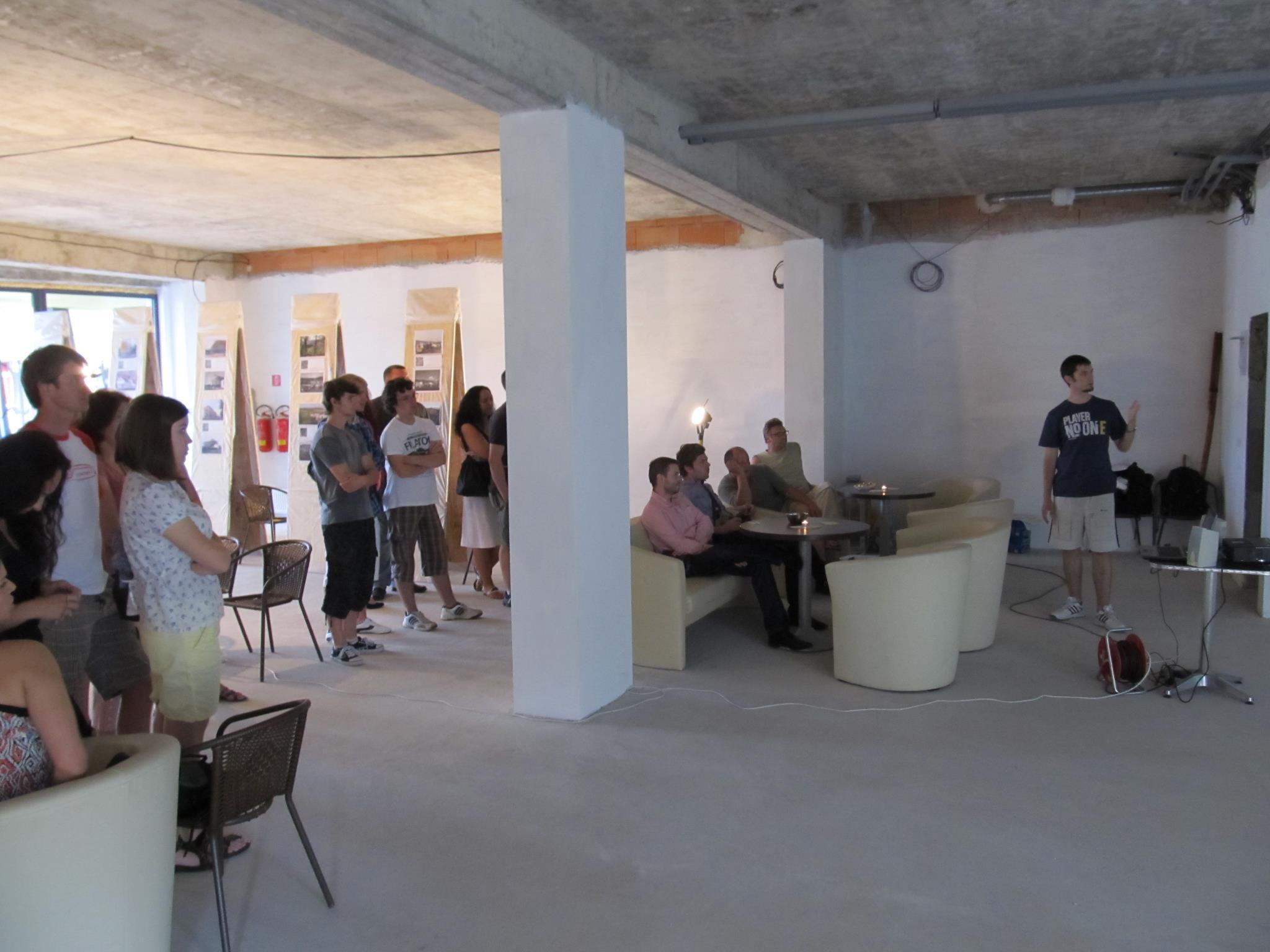 Prednáška o dejinách púchovských mostov na výstave