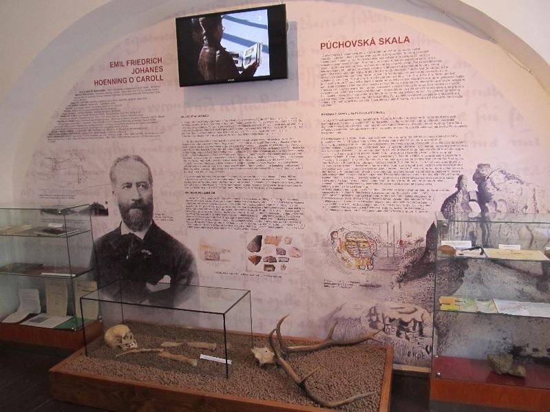 Nová expozícia venovaná barónovi Hoenningovi v Púchovskom múzeu (10/2015)