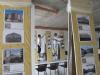 Ukladanie fotografií na výstave