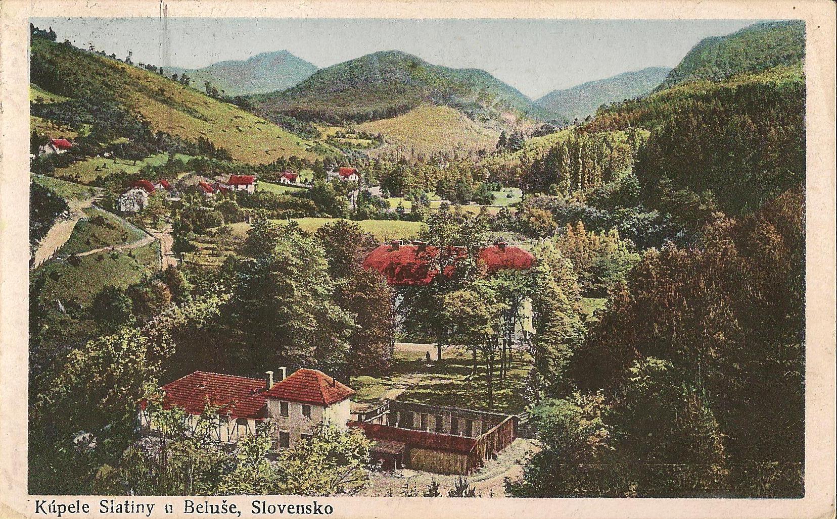 Kolorovaná pohľadnica z Belušských Slatín alebo kedysi iba Slatín z roku 1924.