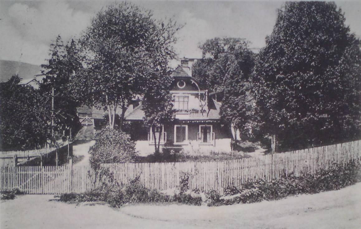 Lednické Rovne 1940 - drevená vila pod fabrikou
