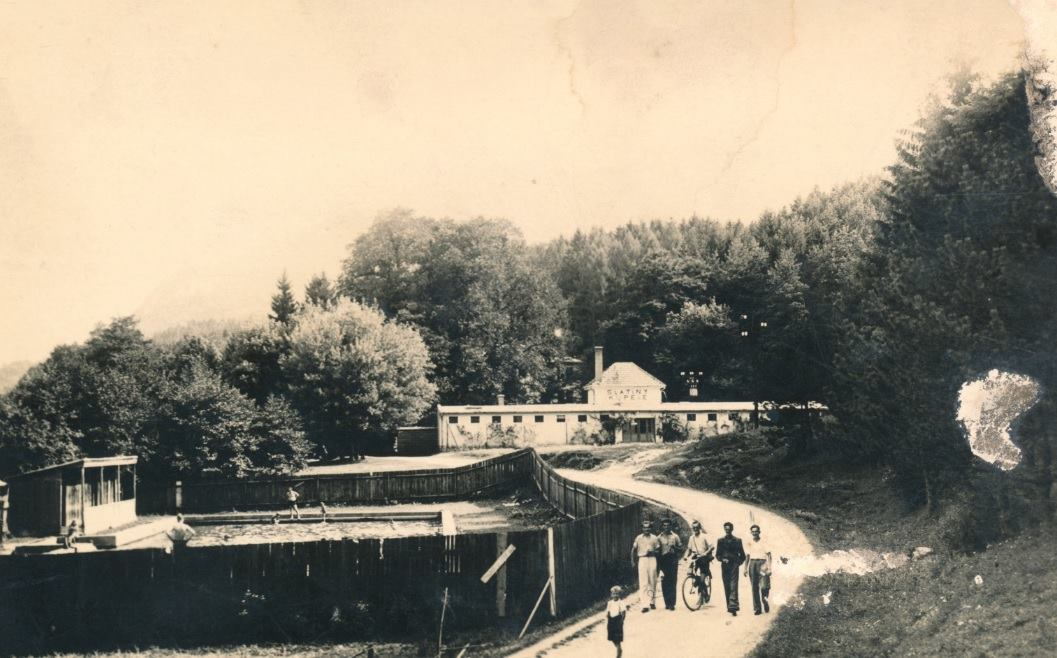 Fotografia kúpeľov v Belušských Slatinách v 1. polovici 20. storočia