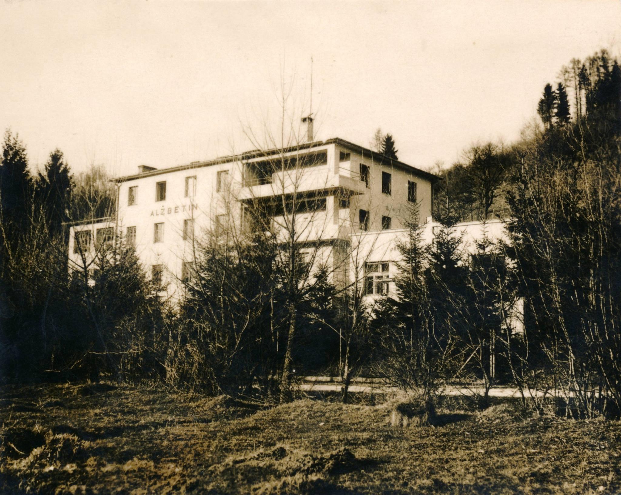 Sanatórium Alžbetín v Belušských Slatinách v 30. rokoch minulého storočia