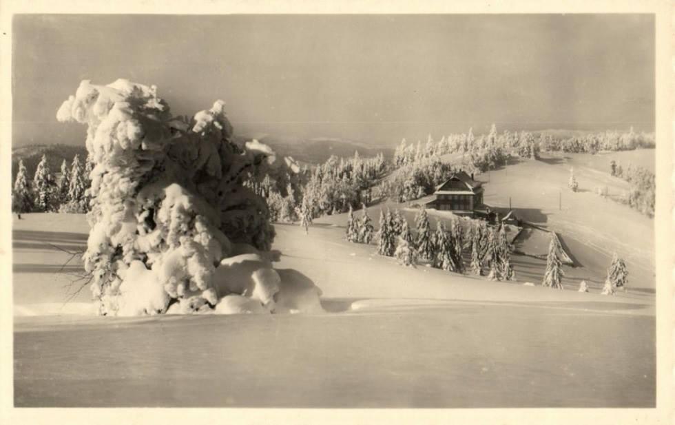 Chata Portáš  na hrebeni Javorníkov v 40. rokoch 20. storočia