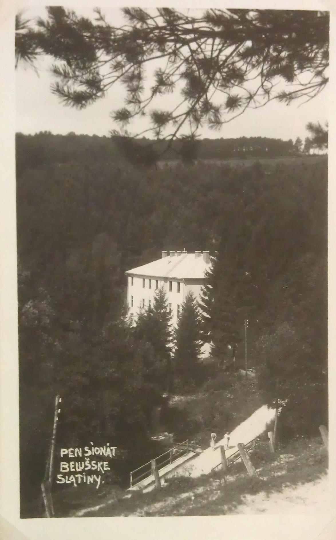 Penzión v Beluššských Slatinách v 1. polovici 20. storočia (S. Kopencová)