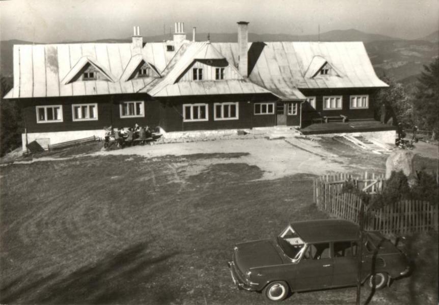 Horská chata Kohútka pred rekonštrukciou na prelome 60. a 70. rokov minulého storočia
