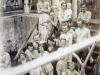 Oddychujúci ľudia v bazéne kúpeľov Belušské Slatiny (jún 1921)