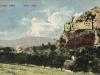 Lednický hrad na prelome 19. a 20. storočia nad rovnomennou obcou s pomerne dochovanými múrmi