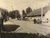 Dnešná Farská ulica v Beluši na prelome 60. a 70. rokov minulého storočia
