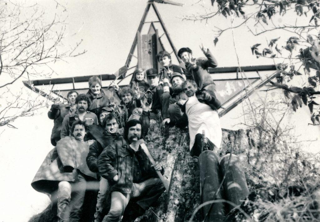 1989 odstránenie hviezdy nad priehradou v Nosiciach 1