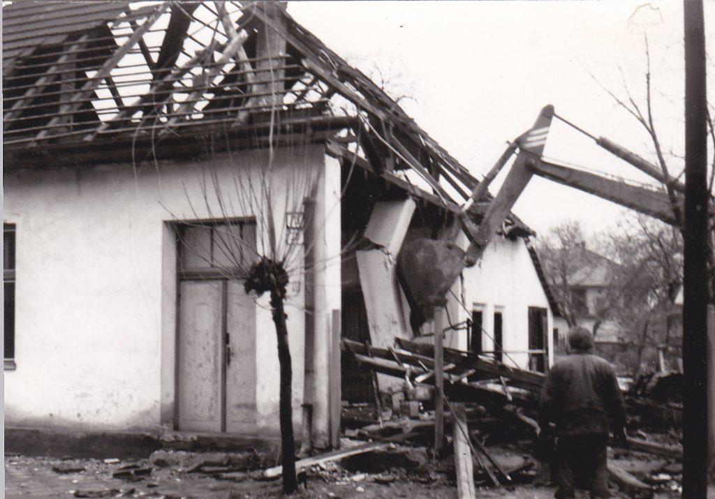 Moravska buranie Mózeho domu 1982